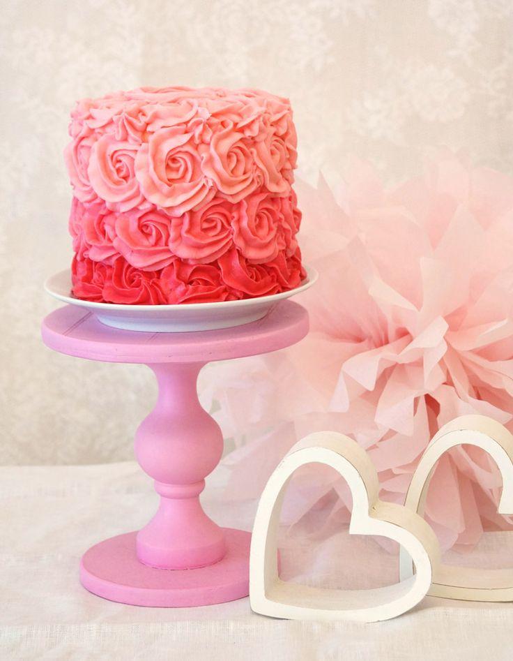 Nicht nur zur Hochzeit wunderschön: Ombre-Rosentörtchen