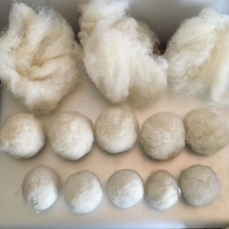 There are a bunch of stages in making my #woolball #ornaments. Shown here are the first 3: 1. Measure roving. 2. Needle into balls. 3. Wet felt balls #handmade #elorahandmademarket - http://ift.tt/2ennorX