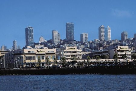 San Francisco is in the top 10 for best summer vacations! Check out Radisson Hotel Fisherman's Wharf (pictured)!