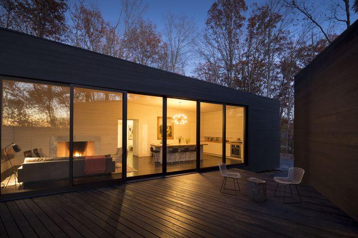 Casa junto al Río James / Architecture Firm