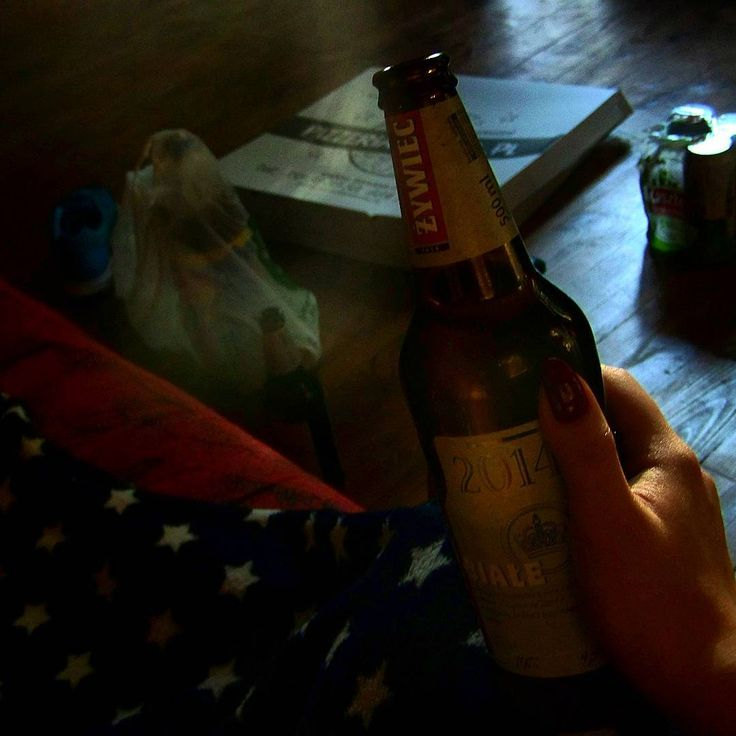 #tbt Just a pizza, just a beer, just a blunt, just a presence of a friend. �������� Sometimes the smallest things are just the right ones.  #hello #beer #polishgirl #girl #woman #polskadziewczyna #krakow #poland #student #krakowgirl #aesthetic #hype #party #girlsjustwannahavefun #followme #photooftheday #picoftheday #photo #pic #привет #студент #фото #краков #польша #кайф #гуляем #девушка #женщина http://butimag.com/ipost/1557926175963384366/?code=BWe3ZpQlIou