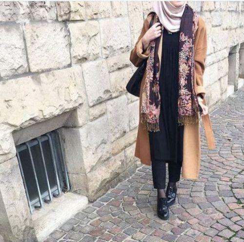 tan-camel-coat-winter-hijab- Cute cozy winter hijab style http://www.justtrendygirls.com/cute-cozy-winter-hijab-style/