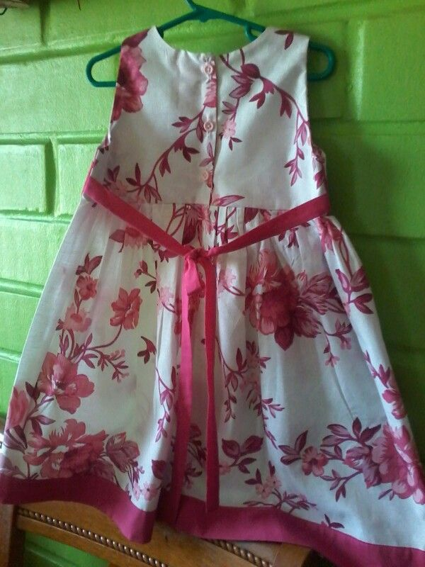 Vestido niña rosa por detras