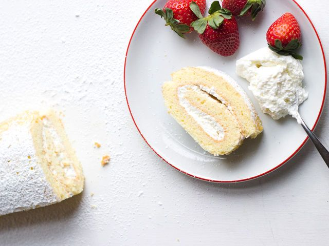 Swiss Roll with Whipped Cream Filling