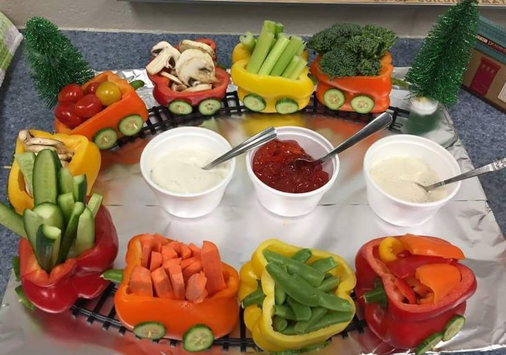Pepper train – nice to present vegetables at gourmet, on a birthday as a snack…