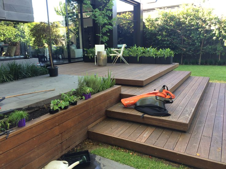 17 best images about ideas for the house on pinterest for Beautiful garden decking