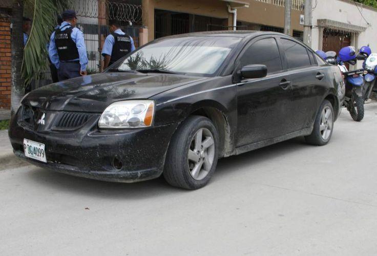 TODAVÍA CREEMOS QUE ¡LOS BUENOS SOMOS MÁS! Honduras: Albañiles frustran asalto a una vivienda en San Pedro Sula Los ladrones huyeron en un pick up Toyota Tacoma. El carro que dejaron abandonado los supuestos delincuentes.