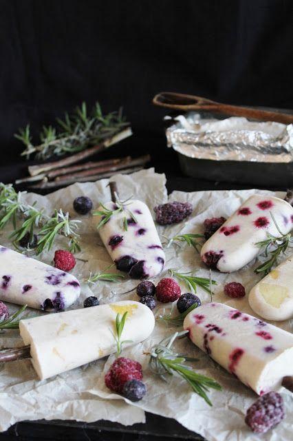 fruit popsicles with coconut milk, wonderful summer dinner party dessert. #designsponge #dssummerparty