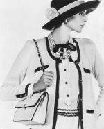 a moda nos anos 50 – parte 1 « Meninas.com  O tailleur com guarnições trançadas, a famosa bolsa a tiracolo em matelassê e o sapato escarpin bege com ponta escura da Channel marcaram época também.