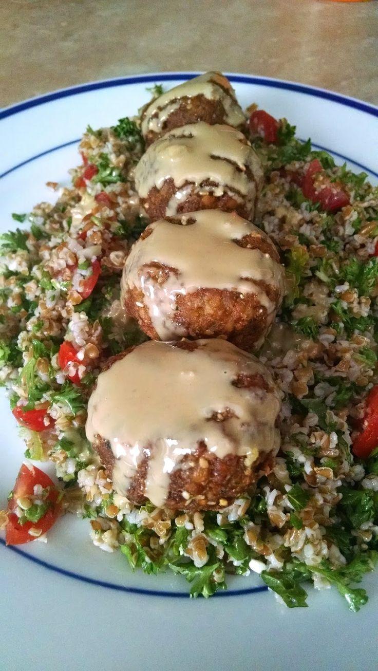 Daktari's Diner: Baked Falafel Salad