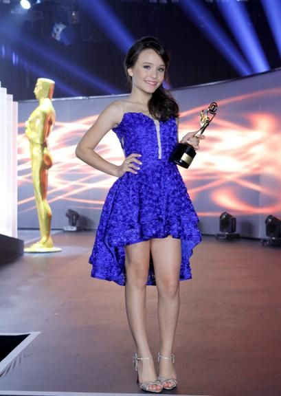 985aa2c562b90 Larissa Manoela com vestido azul curto
