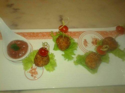#Fishball with Plum & Kiwi Sauce Recipe by Nandini Diwakar on Plattershare