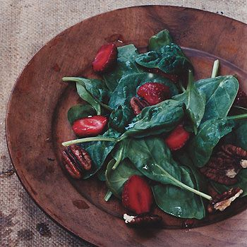 'Spinach Salad with Strawberry Vinaigrette' #healthy #food #recipeMousse Cake, Spinach Recipes, Strawberry Spinach Salads, Vinaigrette Recipe, Strawberries Spinach, Strawberries Vinaigrette, Healthy Food Recipes, Chocolate Truffles, Strawberries Recipes