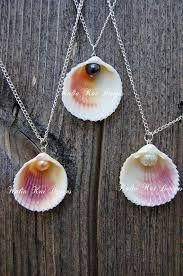 Resultado de imagen de conchas y perlas pendientes