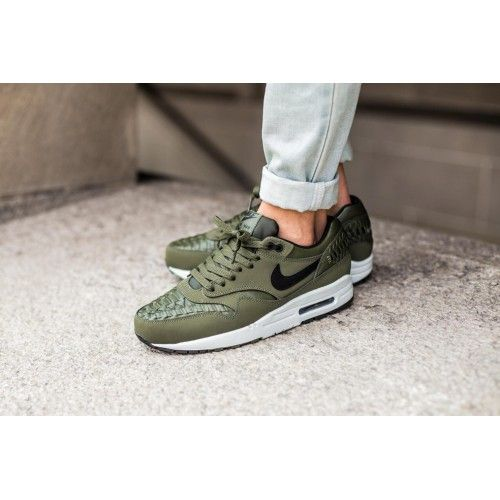 Cheap Nike Air Max Tavas Black Green Womens Trainers & Shoes UK Online