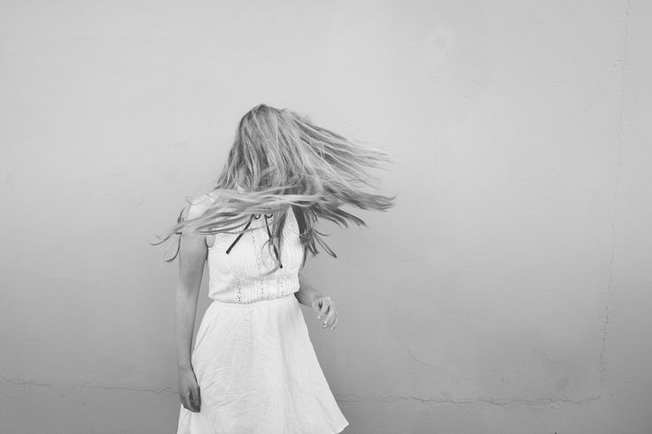 www.heddahestholm.wordpress.com Instagram: @heddussen #photography #summer #july #canon #lightroom #photoshop #norway #ootd #portrait #photoshoot #blackandwhite