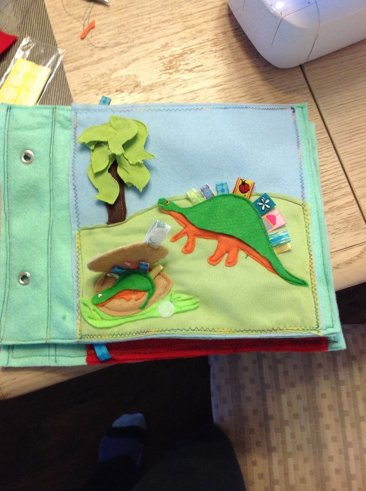 Quietbook page - dinosaurs!  Pattern from imagineourlife.com