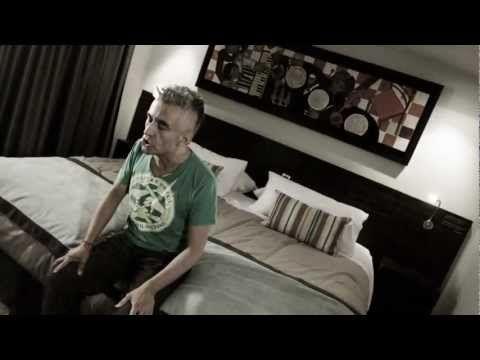 Jorge González - Es muy tarde [VIDEO OFICIAL] - YouTube