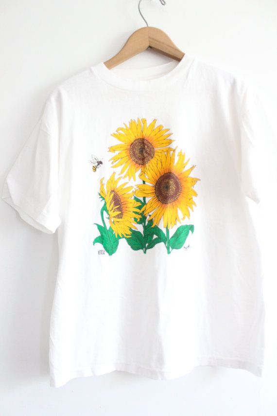 Sunflower 90s Tee by LooseGoods on Etsy