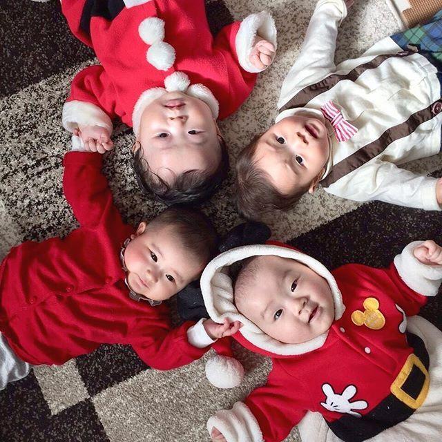 初めてのクリスマス  仲のいい友達たちと集まって遊んだね✨  みんな小さくて可愛い❤️  ・  ・  ・  #クリスマスの思い出 #コクーニスト #yamadaでクリスマス #キュレル #キュレルタッチ #サムシングレッド #plaza #ラバコレ2017 #love_lazare #ダイヤモンド #マイブルークリスマス #ブルーリア #ハニーチェと甘いクリスマス #マイブルークリスマス #ブルーリア #クリスマスとレグザ #ミルクリークパーティー #DAKSクリスマスジャンパーデー