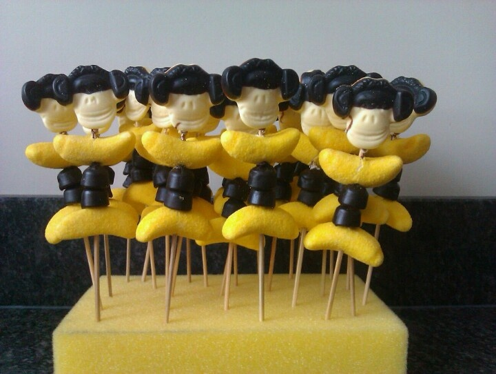 Leuke apentraktatie van Katja Apekoppen en Kokindjes, met banaantjes