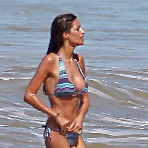 La reportera Sara Carbonero en bikini durante unas vacaciones en Brasil en 2011.