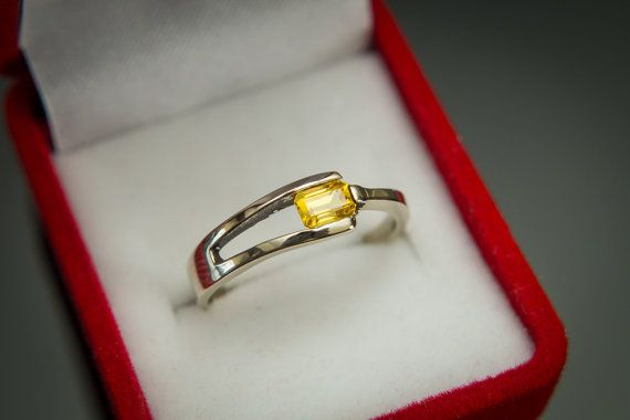 Yellow Sapphire Ring  Ceylon Sapphire Ring  Gold by Trencheff