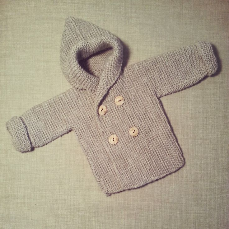 Make a simple but very pretty and easy to knit jacket / baby coat with tutorial and free patern DIY http://lanitasypapel.blogspot.ca/  Teje una chaquetita facil y  calentita de bebé  patron y video gratis http://lanitasypapel.blogspot.ca/