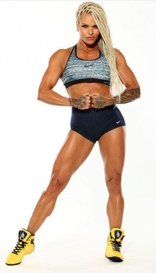 IFBB Pro Larissa Reis