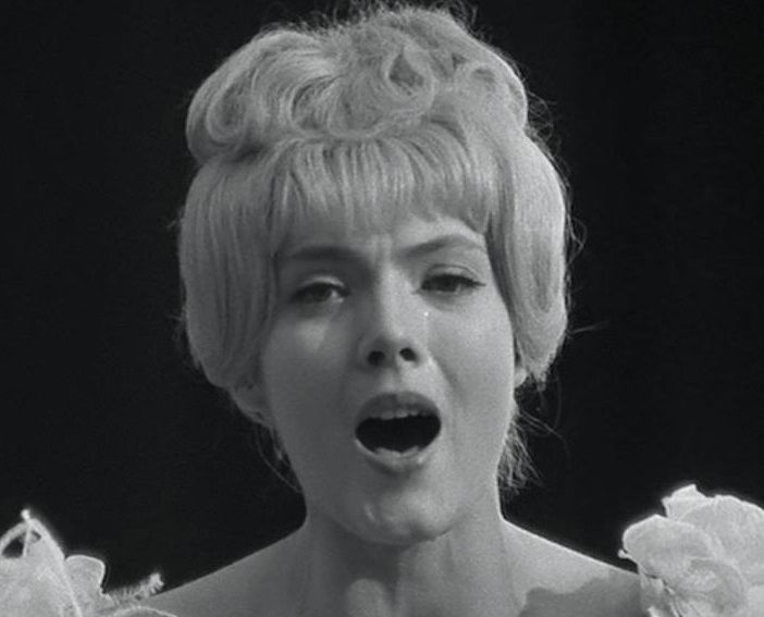 Corinne Marchand Sings San Toi In Cleo From 5 To 7 1961 Dir Agnes Varda Corinne Marchand Old Hollywood Agnes Varda