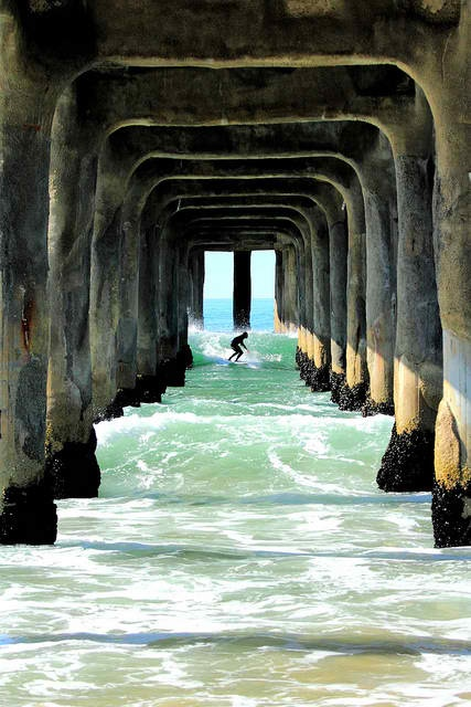awesome.: Sands Castles, Surfing Pictures, Surfing Up, Triumphal Arches, Manhattan Beaches, Huntington Beaches, Photo, The Waves, Ocean Life