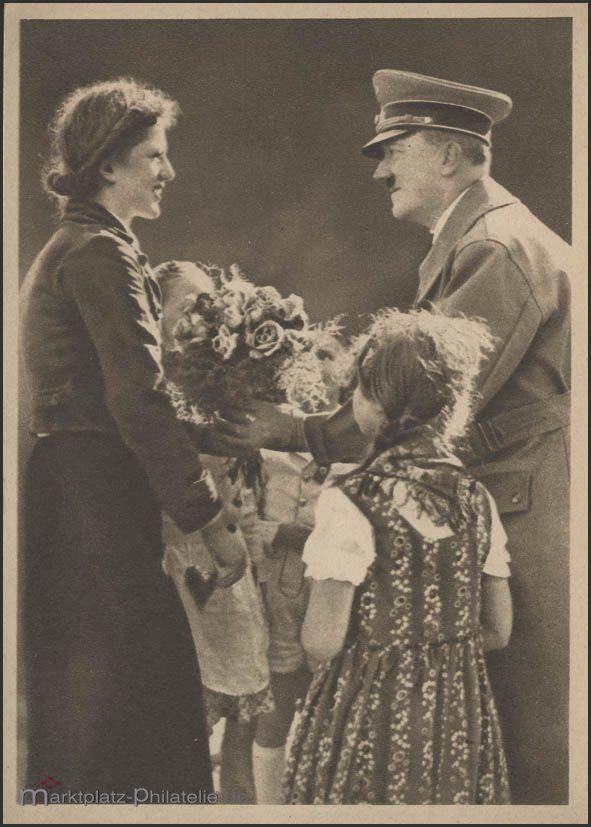 Ansichtskarte Deutscher Frühling: Hitler bekommt Blumen, ungebraucht ca. 1940 · Philatelie Dietrich