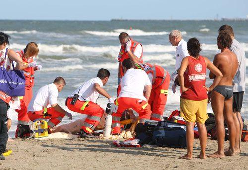 """Pescara. Donna trovata morta sulla spiaggia del Lido """"Croce del Sud"""""""