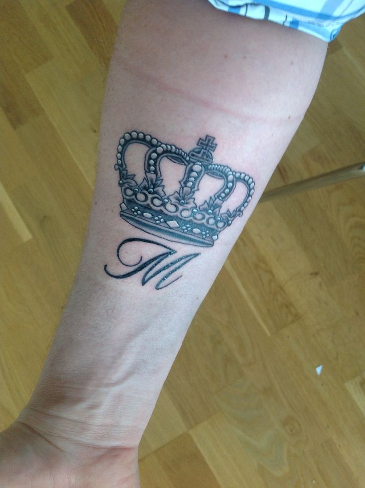 17 best images about crown tattoos on pinterest crown tattoos initials and tattoo crown. Black Bedroom Furniture Sets. Home Design Ideas