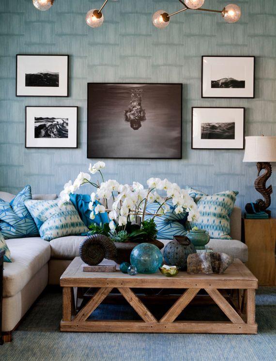 coastal chic media room // Holiday House Hamptons #interiordesign #hamptons #beachingit