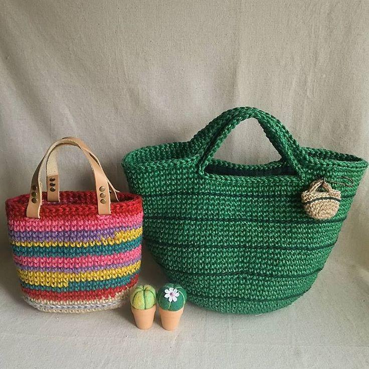 planet green 本日ブログupした麻ひもバッグふたつ。 今回は全て市販のカラー糸を使いました。  #crochet #crocheting #handmade #プラネットグリーン #麻ひもバッグ #編みバッグ #かぎ針編みバッグ #ジュート #ジュートバッグ #かぎ針 #麻ひも  #編み物 #かぎ針編み
