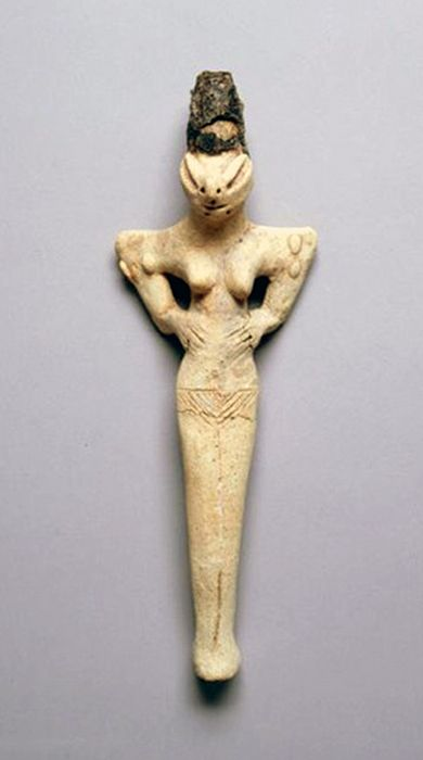 Mother Goddess figurine with Snake Head - from Ubaid Period in Iraq, made in terrracotta - at the Penn Museum