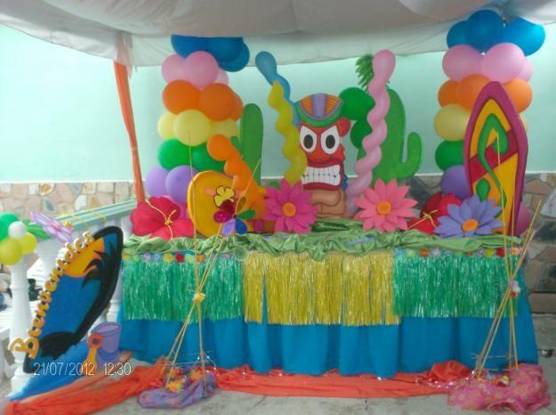Decoraci n de la mesa ideas para fiestas motivo piscina - Adornos para piscinas ...