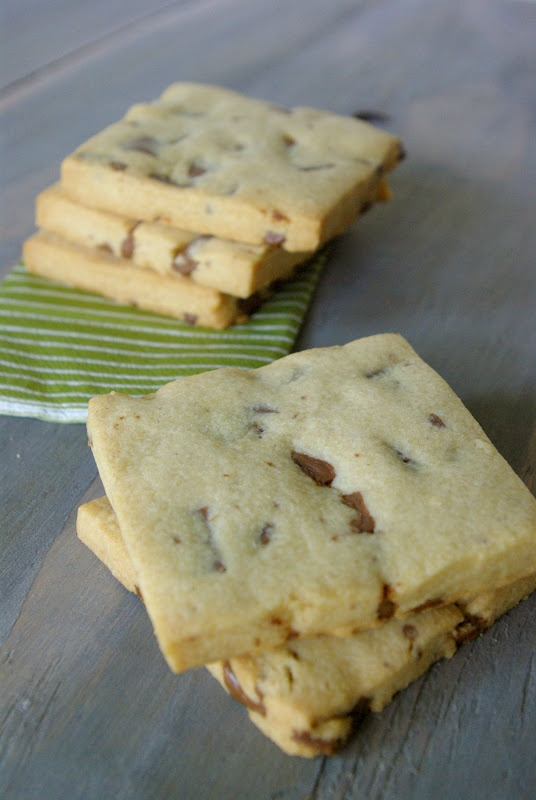 finally!  marks and spencer chocolate chunk shortbread!! Oleander and Palm: Chocolate Chunk Shortbread