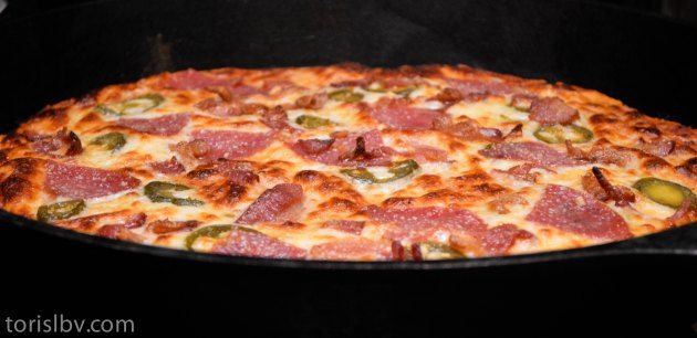 How to make a pizza in a cast iron skillet.