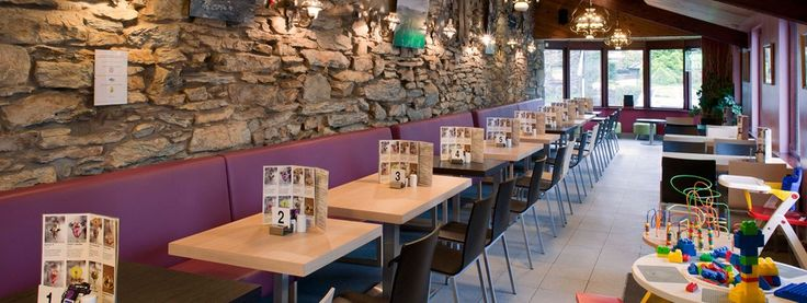 Cafe Glandwr - does full welsh breakfast and fresh coffee - full menu on website - open 10am till 5pm - does takeout pizzas