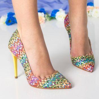 Pantofi stiletto multicolori, cu imprimeu leopard, si toc galben.  Exteriorul pantofilor este din material textil  Tocul este de 11 centimetri