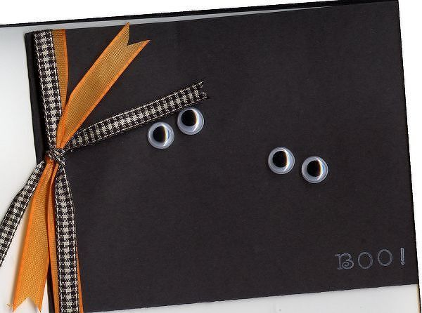 super easy Halloween card...would be cute in a mini version as a gift card attached to a hostess gift