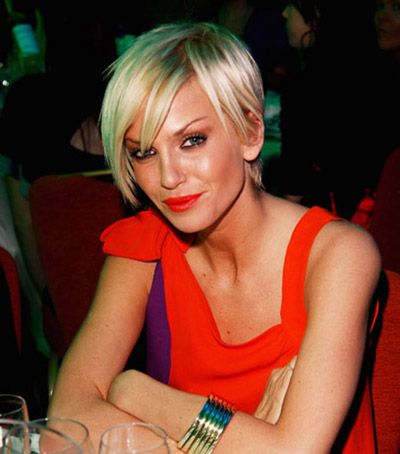 short hairstyle with blunt bangs