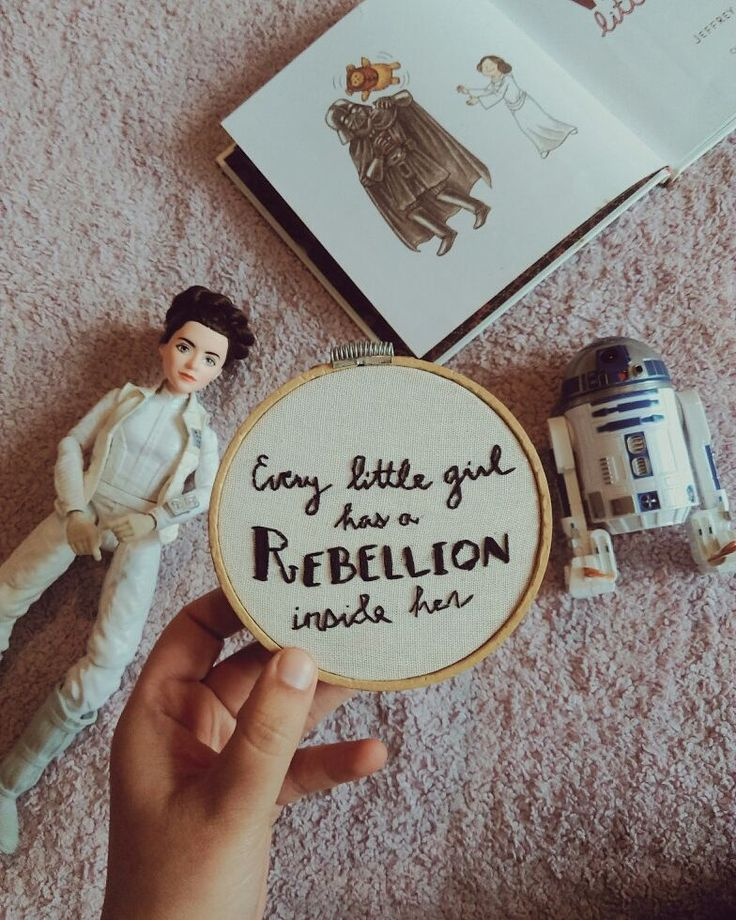 1 año sin Carrie Fisher #StarWars #PrincessLeia #CarrieFisher #Embroidery