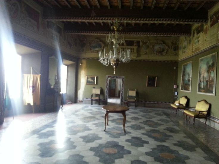 The castle of BIANELLO, owned by the Municipality of QUATTRO CASTELLA, can be visited along the year. It is very well kept and it's the pride of the entire community. In this castle the Italian Vice-Queen Matilde lived in XII century. http://www.indulgeinitaly.com/