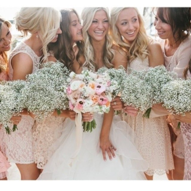 Baby's breath has made a comeback and we love it! Such a sturdy flower that's still dainty and feminine. Our beautiful bride Victoria used it in spades for her bridesmaid bouquets and they were stunners! Photography: @kalipoulsen