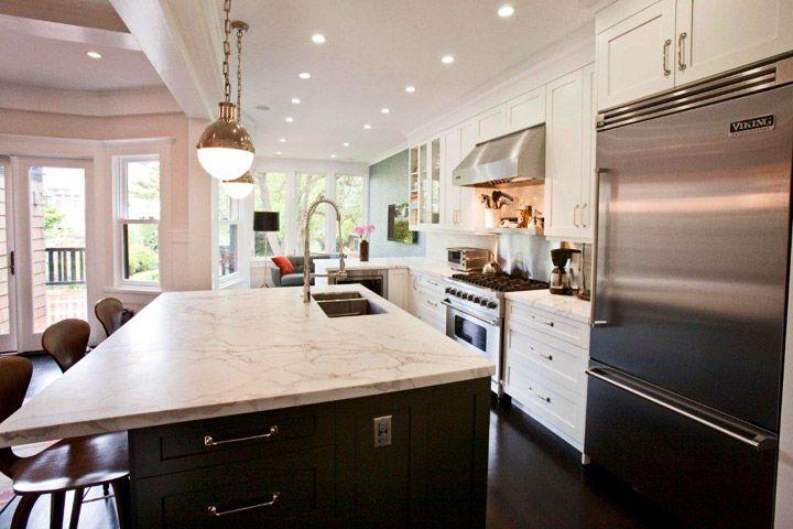 Kitchen Counter And Creamy Gray Backsplash Combinations