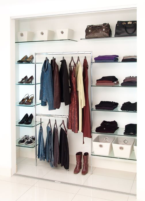 palm springs walk-in closet: Floating Shelves, Glasses Shelves, Floating Glasses, Clothing, Corner Shelves, Closet Storage, Shelves Closet, Closet Hechizo, Closet Glasses