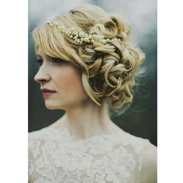 Vintage looking updo | Hair Styles | Pinterest